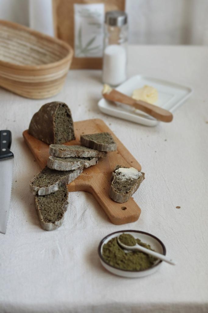 Kovászos fehér kenyér kendermagliszttel